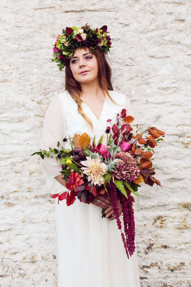 Boho Wedding Ideas and Inspiration - 10 Tips for the Boho Bride - Floral Crown, Dress, Decor and Styling, Bell Tent, Bird Seed Confetti, gypsy, wilderness, ethereal | Blog Post from Vintage Partyware | http://www.vintagepartyware.co.uk/blog/boho-bride