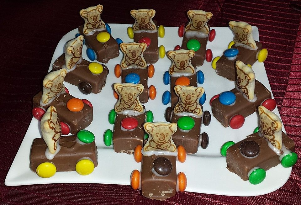 schoko auto food for kids chocolate car kids meals. Black Bedroom Furniture Sets. Home Design Ideas