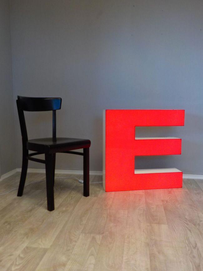 Stühle An Die Wand Hängen v e r k a u f t leuchtstoffröhren leuchtbuchstaben und led streifen