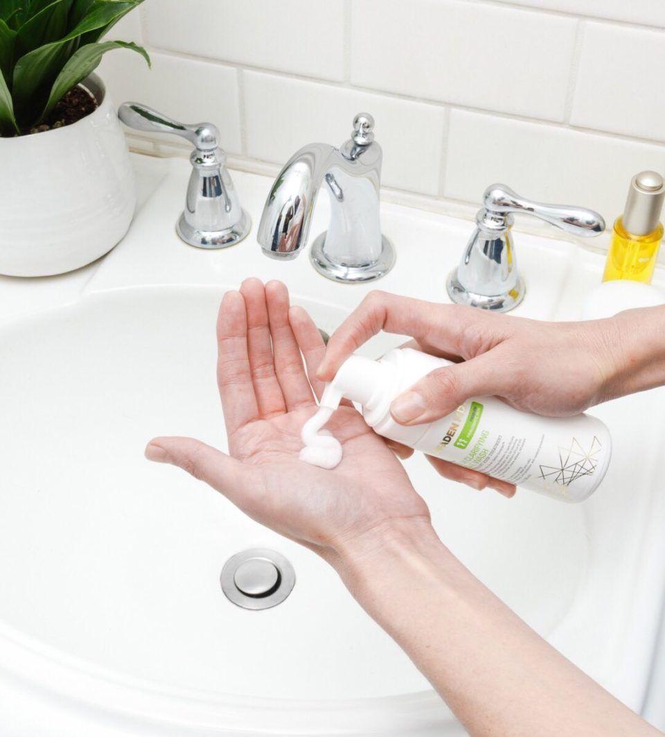 نصائح عند استخدام معقمات اليدين والمطهرات