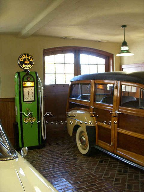 Custom garage design and furnished by vault wooden it for Garage ford nice