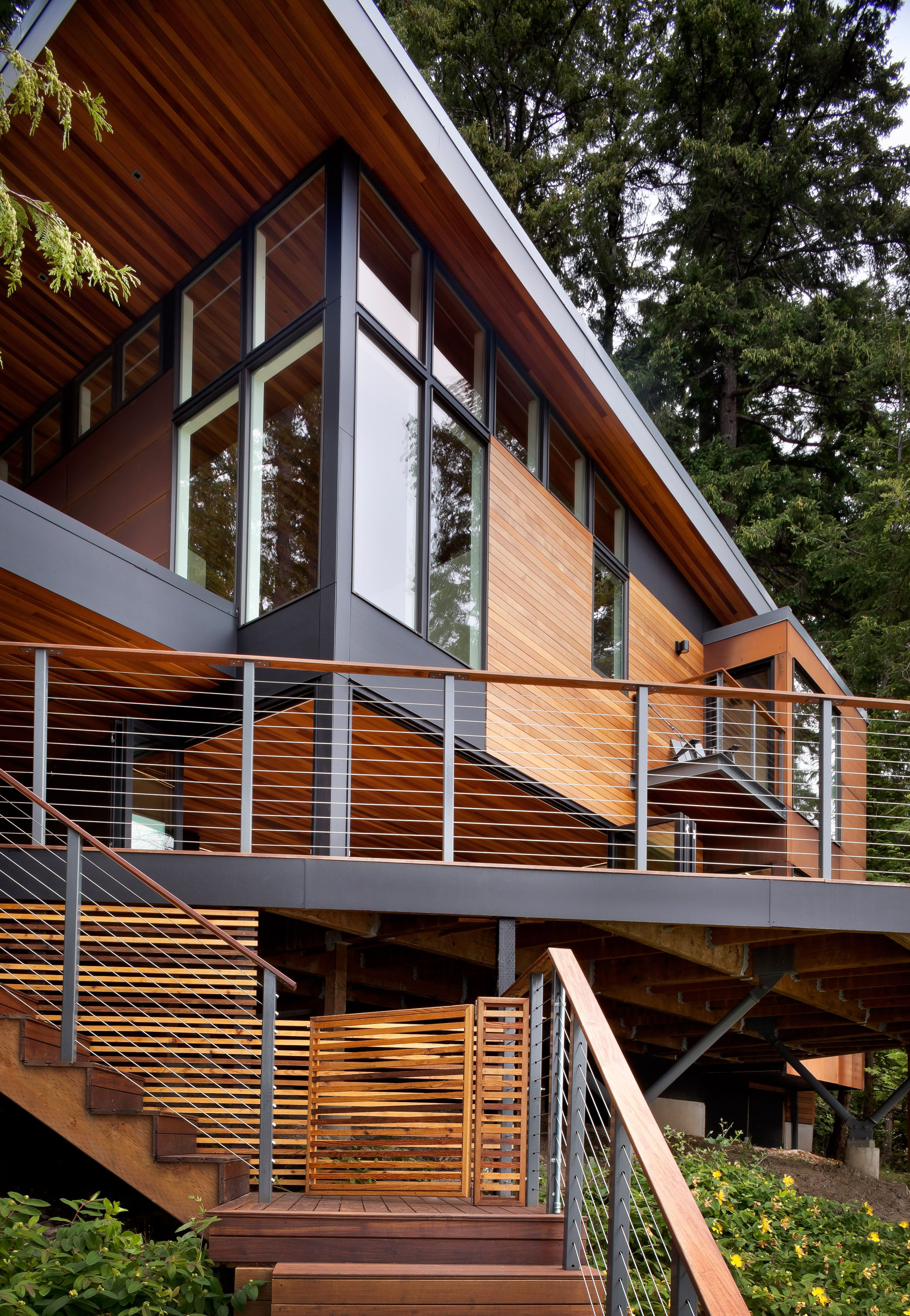Design And Construction Firm First Lamp Architects Has Raised This Family Home Near Seattle Above A Nearby Body Of Architecture Modern Entrance Entrance Design