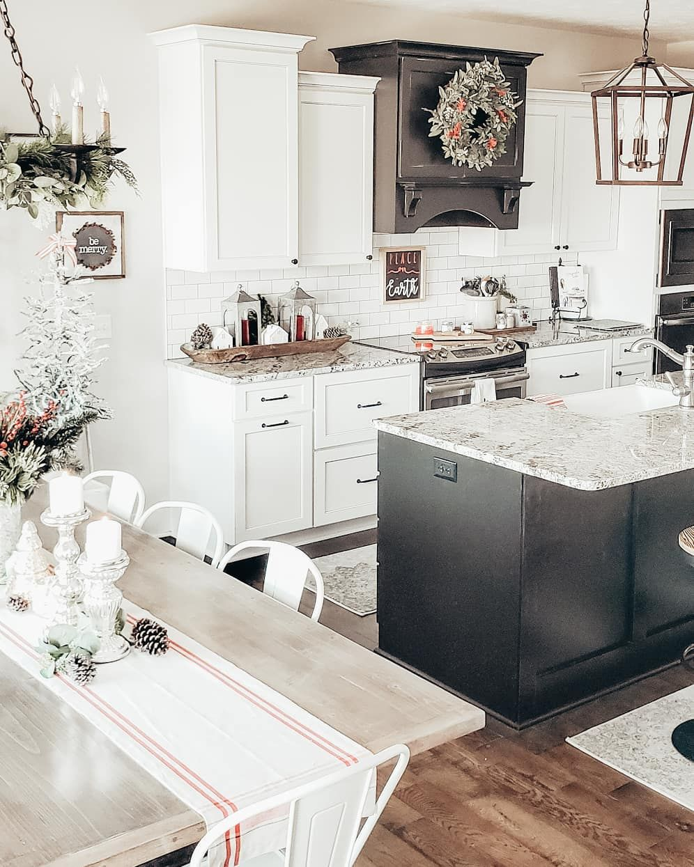 christmas in the kitchen black and white kitchen farmhouse kitchen cottage kitchen ki black on farmhouse kitchen black and white id=86347