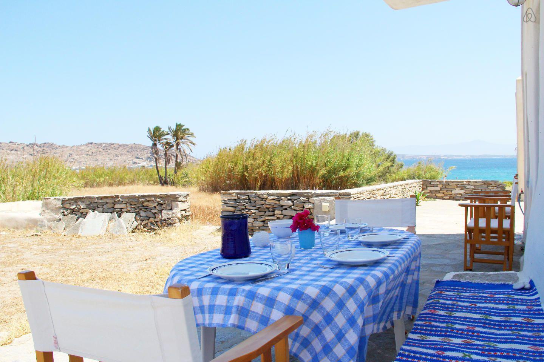 Schau Dir dieses großartige Inserat bei Airbnb an: Katikia Villa-Beach-Seaview-Naoussa in Paros