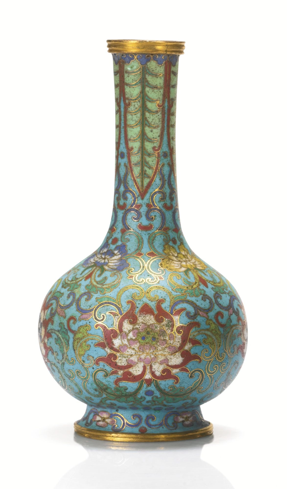 A GILT-BRONZE AND CLOISONNE ENAMEL VASE, QING DYNASTY, QIANLONG PERIOD Estimate 10,000 — 15,000 EUR