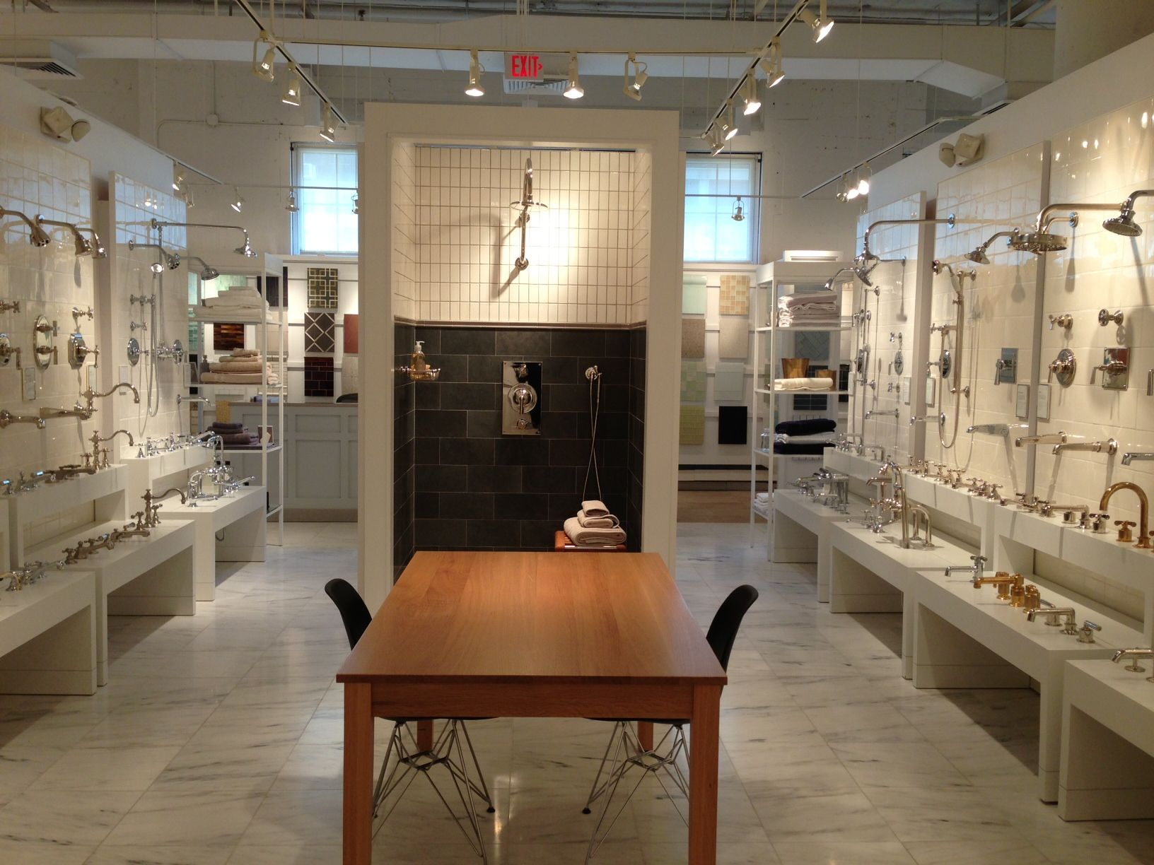 Amazing Waterworks Boston Showroom At The Boston Design Center Beutiful Home Inspiration Xortanetmahrainfo
