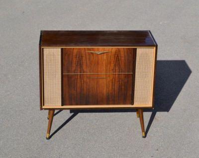 meuble radio tourne disques 70 39 recherche google deco pinterest disque recherche google. Black Bedroom Furniture Sets. Home Design Ideas