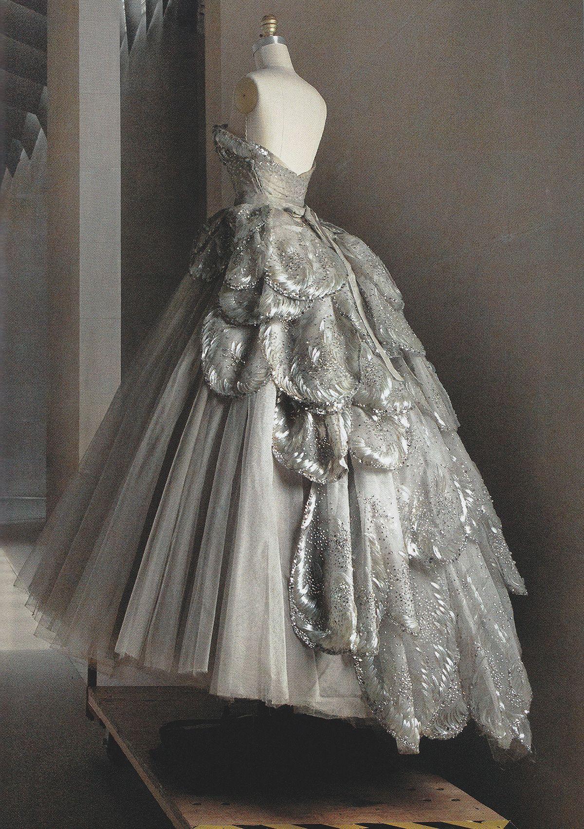Christian Dior Haute Couture silk taffeta-and-tulle dress, fall 1949 ...