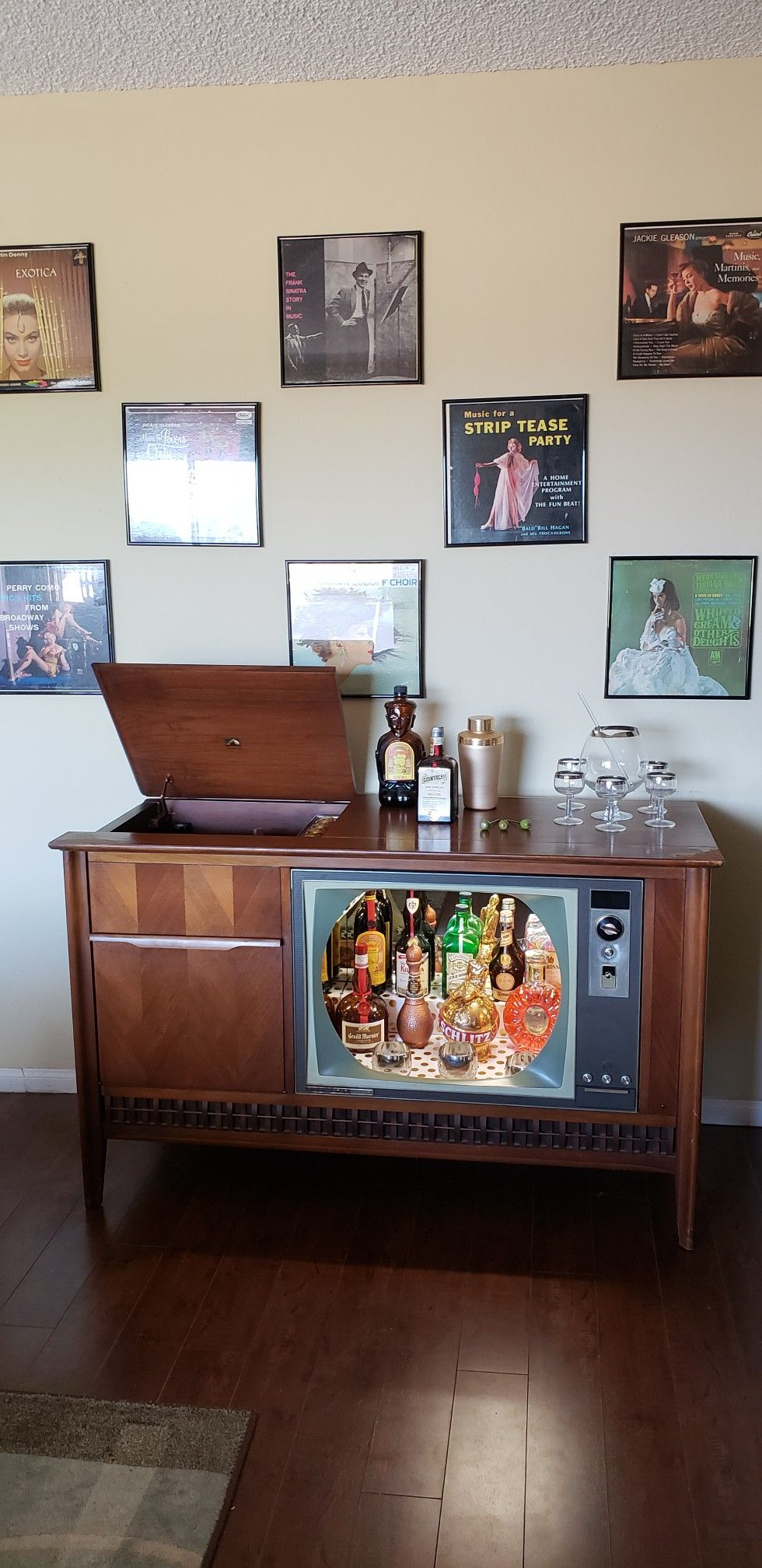 Vintage 1960S Rca Record Player Tv Bar Wwwetsycomshop