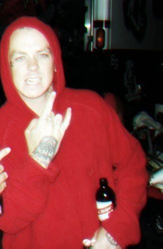 \mm/ - Everybody getting crazy with Slipknot at Monsters \o/\o/ Sid além de ter sido estuprado pela galera, foi vestido de açougueiro, o Clown esqueceu de lavar o macacão usado no ultimo show da banda né, Corey passando a mão nas partes intimas... Foi incrivel o show ;) ♥ - Fotolog