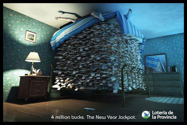 esta imagen refleja que si echas la lotería te puede tocar tanto dinero para hacer una cama grande que llegue hasta el techo