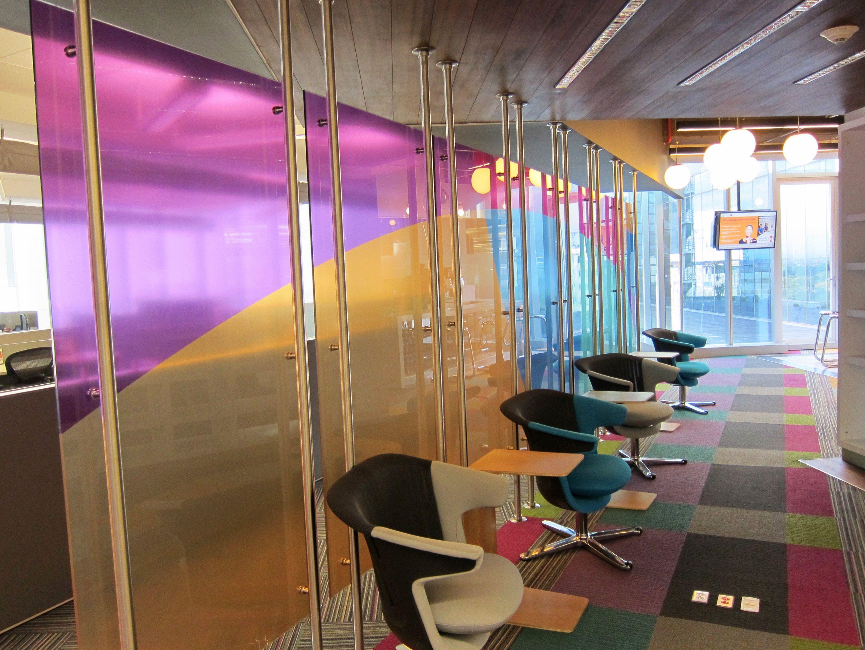 Decoración de Oficinas con Vinilos - Instalación de Vinilos ...