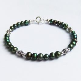 Green Freshwater Pearl & Bali Silver Bracelet.