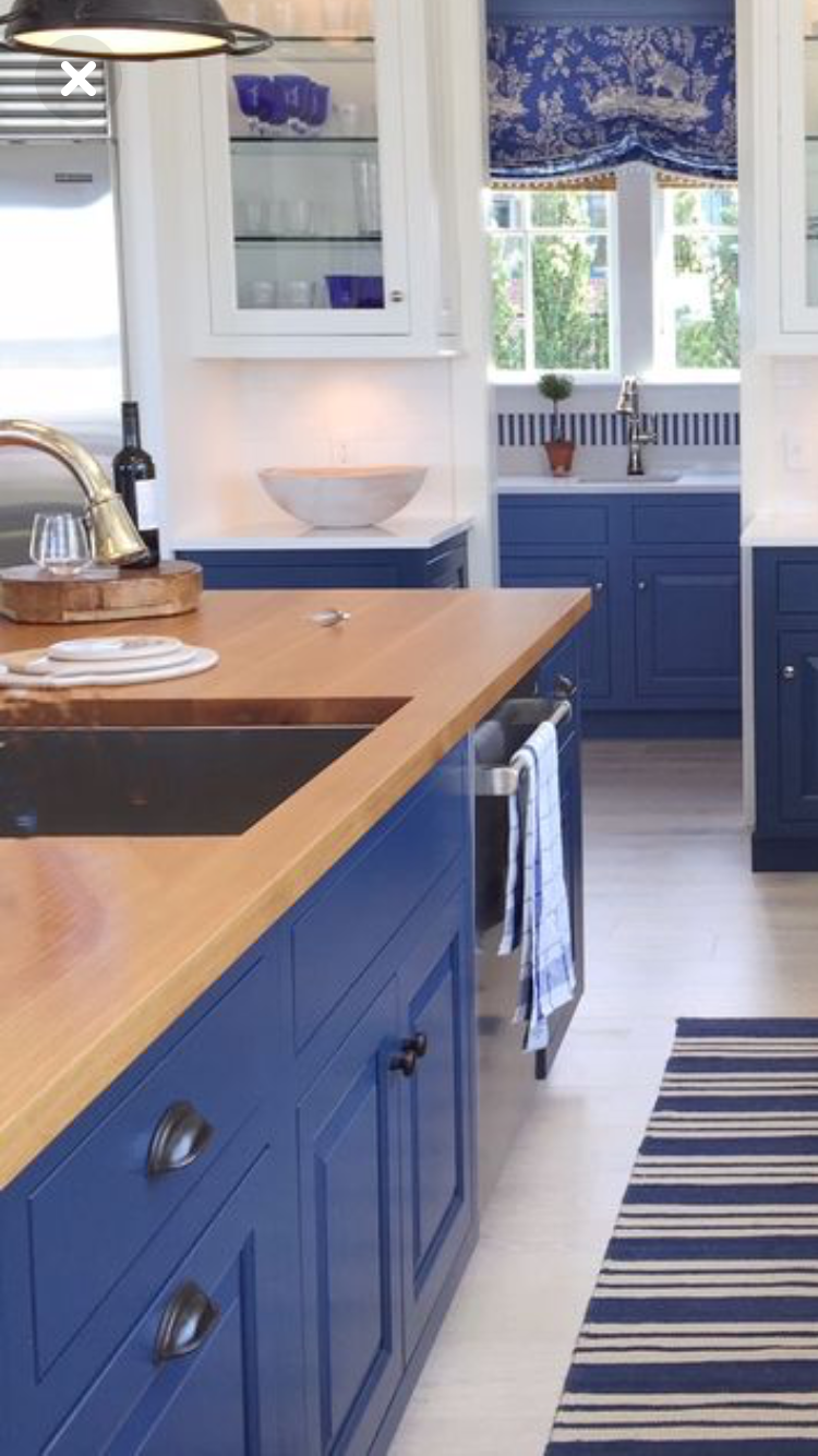 Blue And White Kitchen Blue White Kitchens Home Decor Kitchen New Kitchen Cabinets