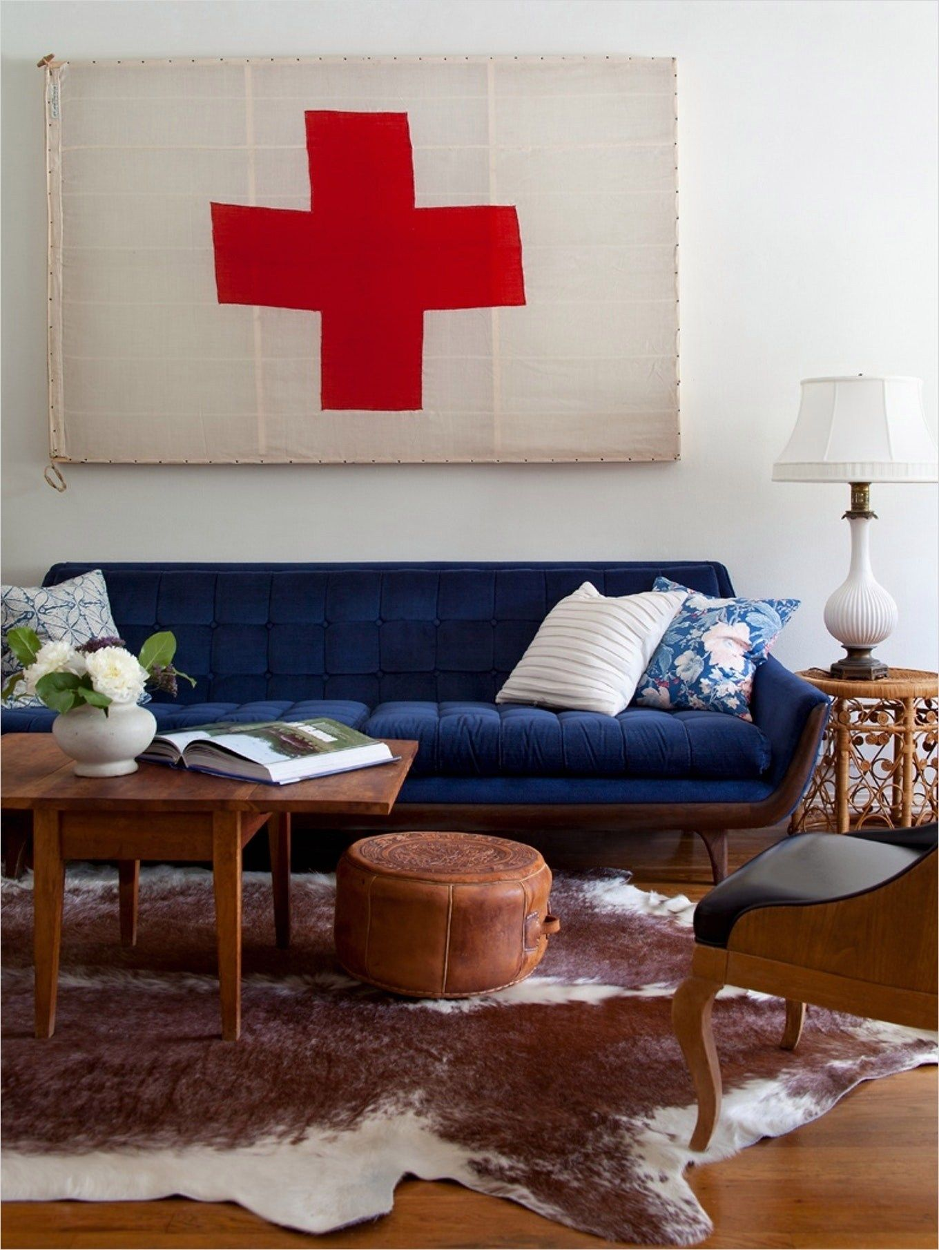 41 Amazing Navy Blue And White Living Room Ideas Decorewarding Blue And White Living Room White Living Room Navy Blue Furniture Living Room