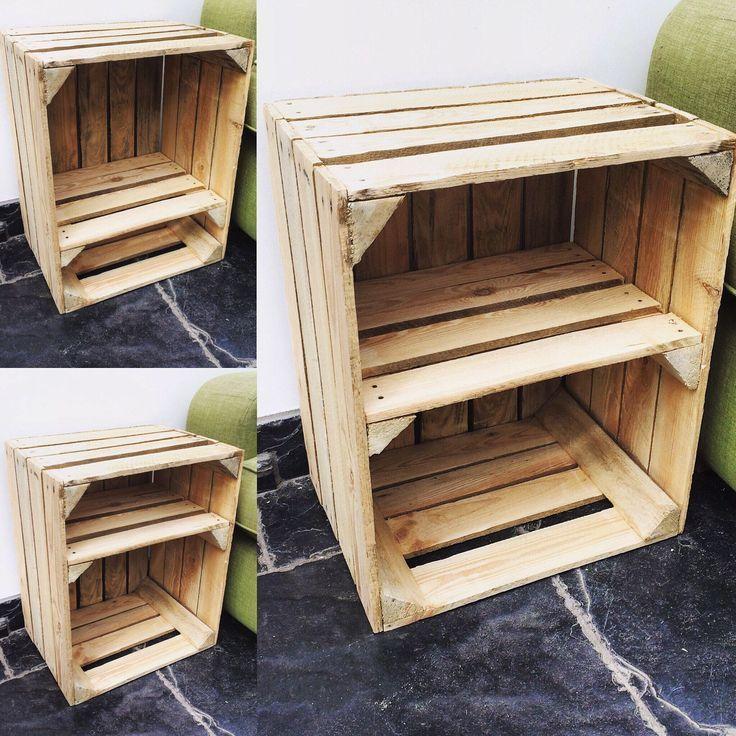 Nachttisch aus Holz im VintageStil im Landhausstil mit