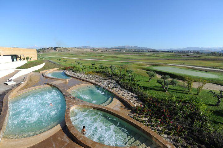 Situato sulla costa sud della Sicilia, alle porte di Sciacca, il Verdura Golf & Spa Resort, è una meta di vacanza tra le più rinomate della Sicilia e dell'Europa intera.   #sicilia #italy #best #hotel #resort #golf #sciacca