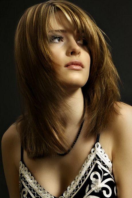 Stufenschnitt Mittellange Haare Haarschnitt Stufenschnitt