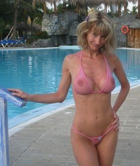 Milf In Bathing Suit 45