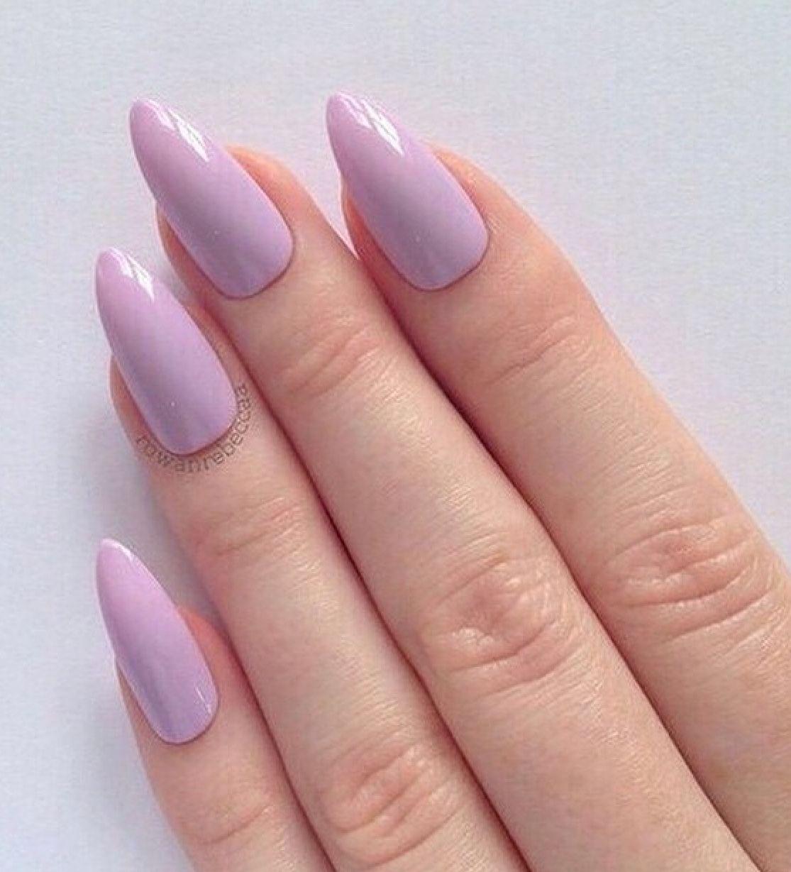 Pin by Sabrina Ayed on Nails   Uñas puntiagudas, Uñas lila ...