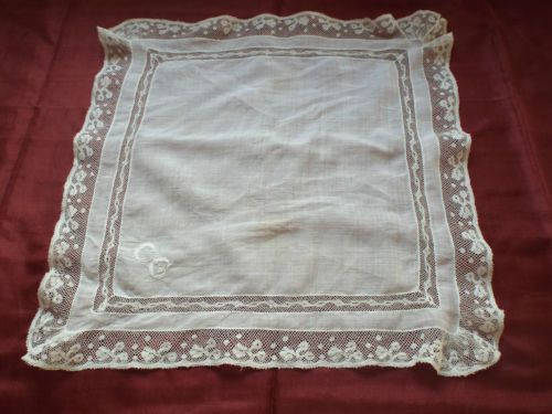 Antique-Valenciennes-handmade-lace-edged-handkerchief-with-CG-at-one-corner
