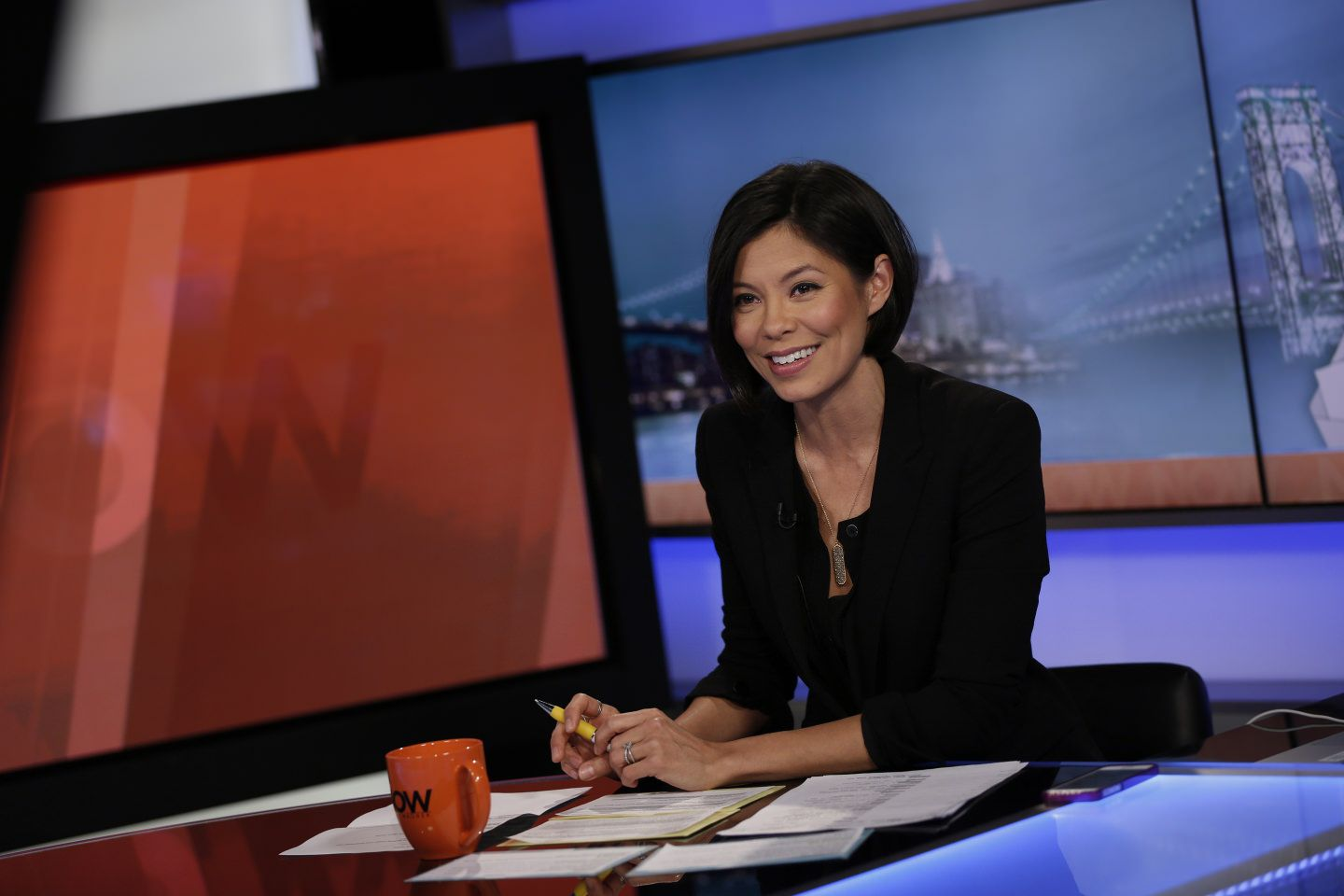 Total Boss Alex Wagner Wishes Women Didn't Have To Wear So Much Makeup On TV