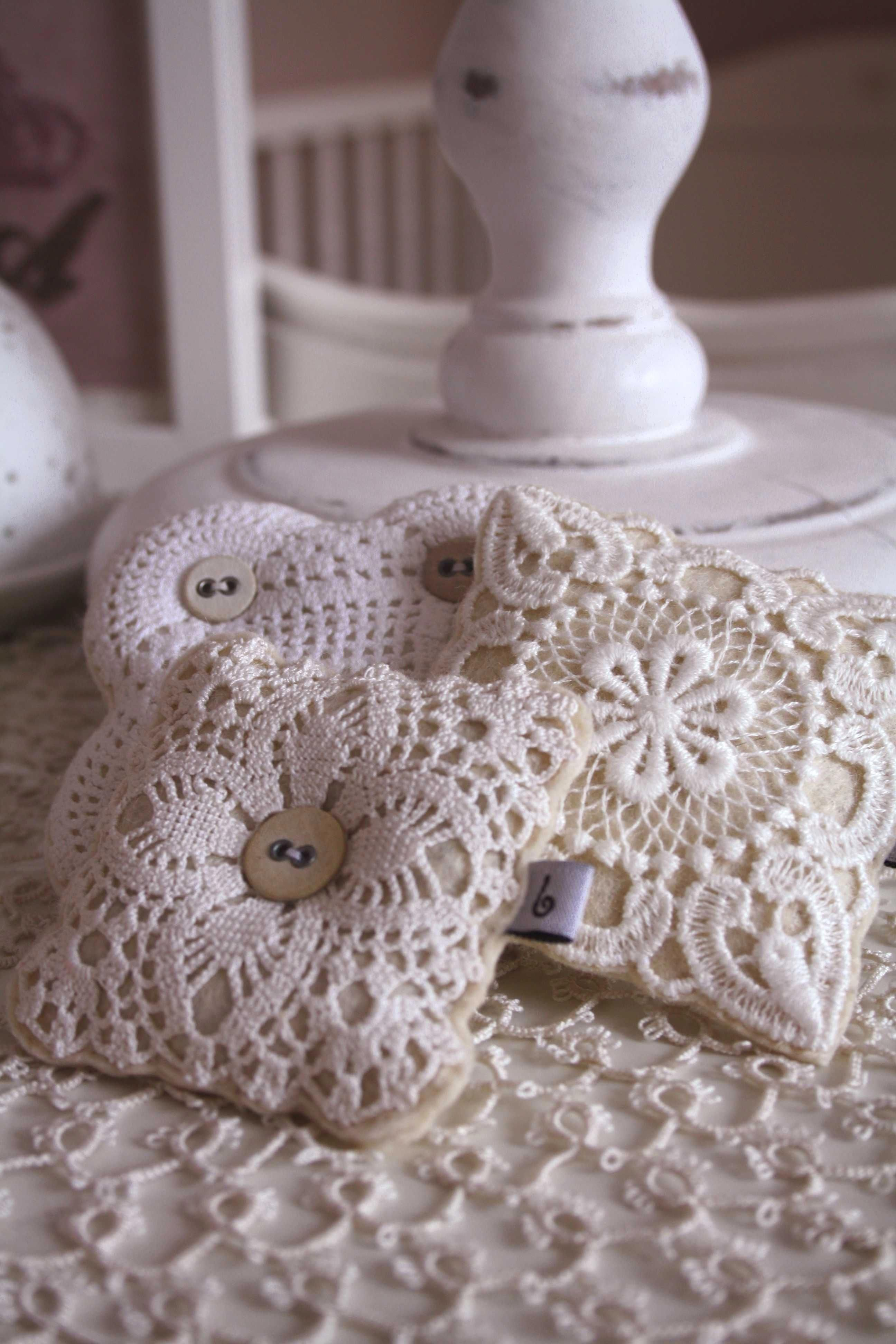 !Hand Crochet Lace Ribbon Rose Embroidery Cotton Heart Shape Doily Satchel Beige