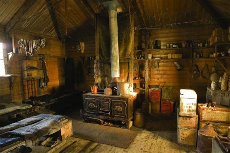 Hunting Cabin Interior Do It Yourself Hunting Cabins: Old Mountaineering Hut UK Interior