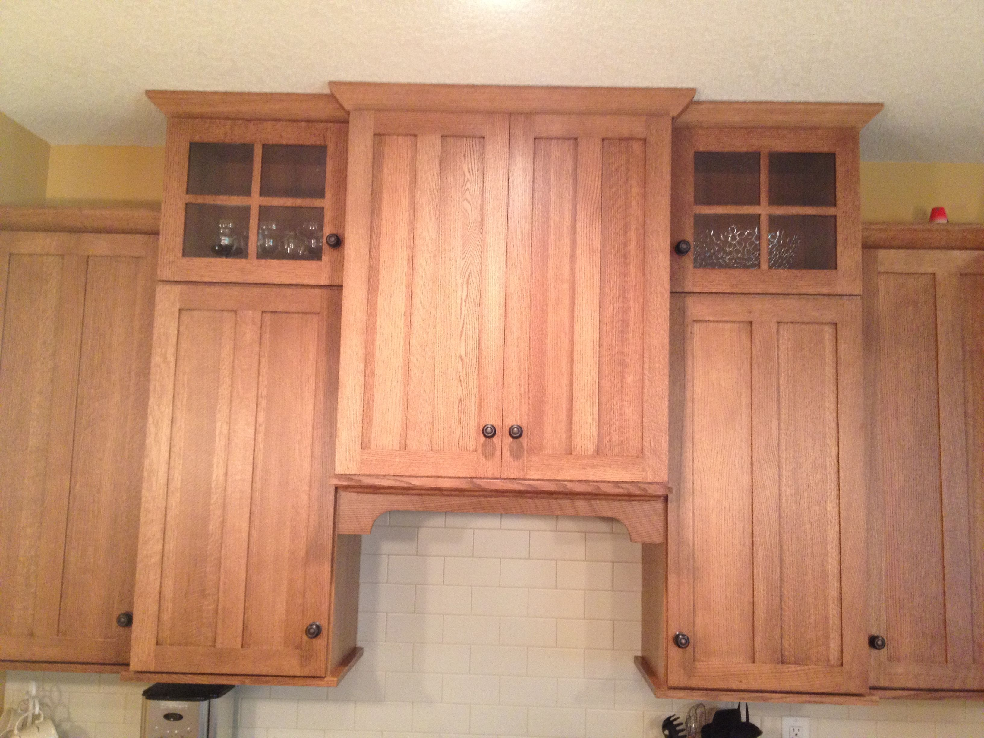 Shaker style range hood cabinet with arched #valance above white ...