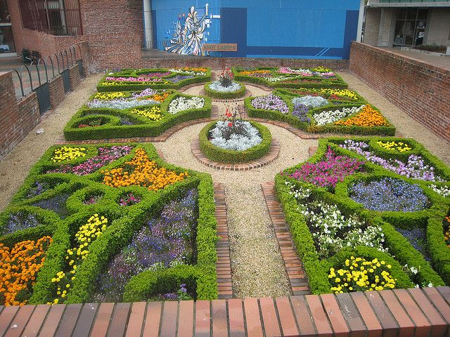 Knot Garden by Double Down via Flickr Secret gardensHerbs