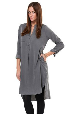 e96e1d901ec5 Give your look an artsy touch with the Runa long tunic from Vero Moda. Wear
