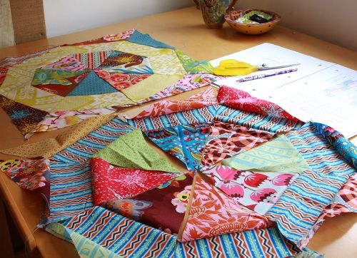 I adore anna marie horner - her fabrics AND her patterns!