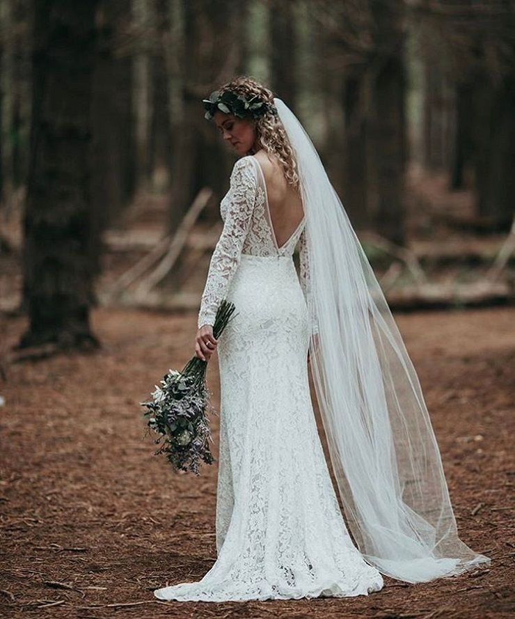 wedding dress with long lace sleeves #weddingdress #weddingdresses #weddinggown #bridalgown #longsleeves