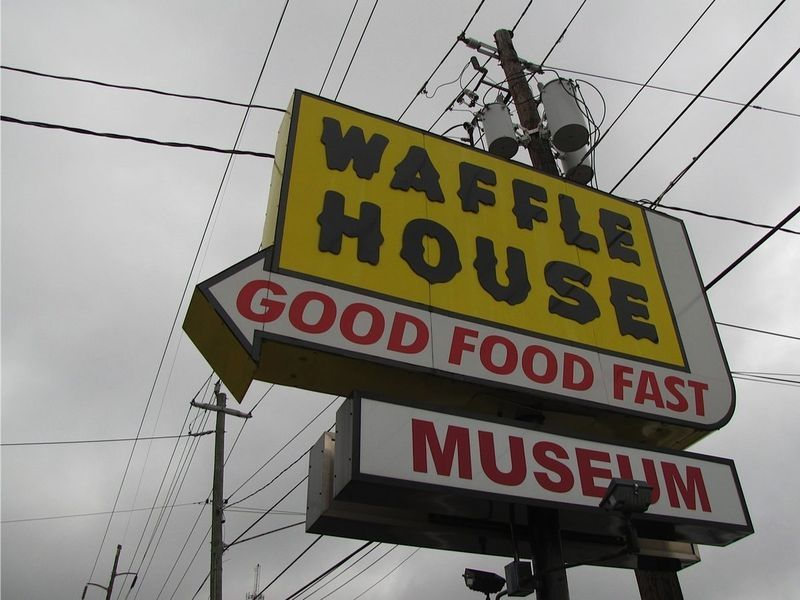 A Look At The First Ever Waffle House Now The World S Only Waffle House Museum Waffle House House Museum Avondale Estates
