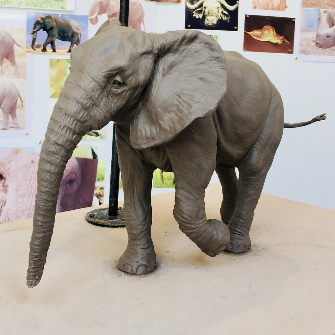 Pin de Pauline Marks en DOUGH   Pinterest   Elefantes y Escultura