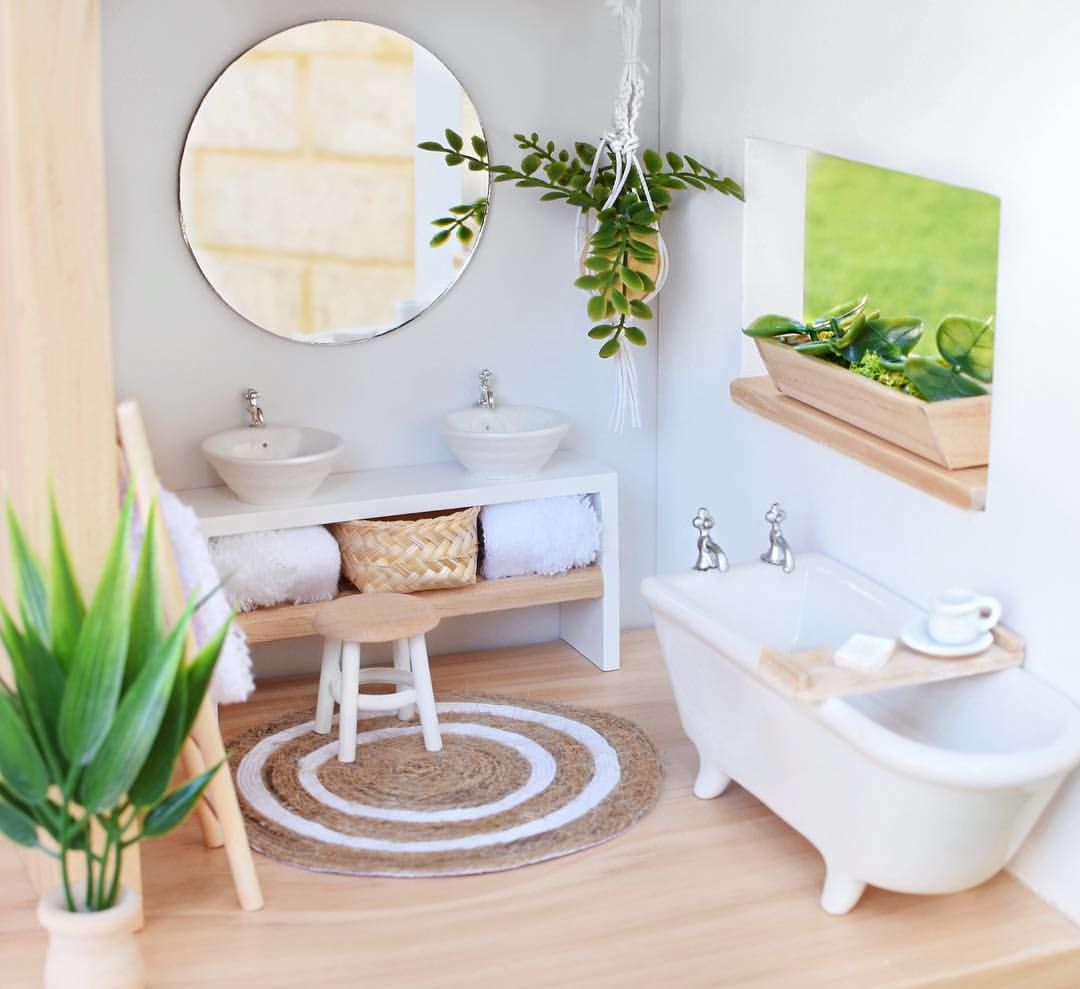 See This Instagram Photo By Hudson And Harlow 339 Likes Miniature Bathroom Miniatureb Muebles En Miniatura Muebles Para Maquetas Muebles De Casa De Munecas