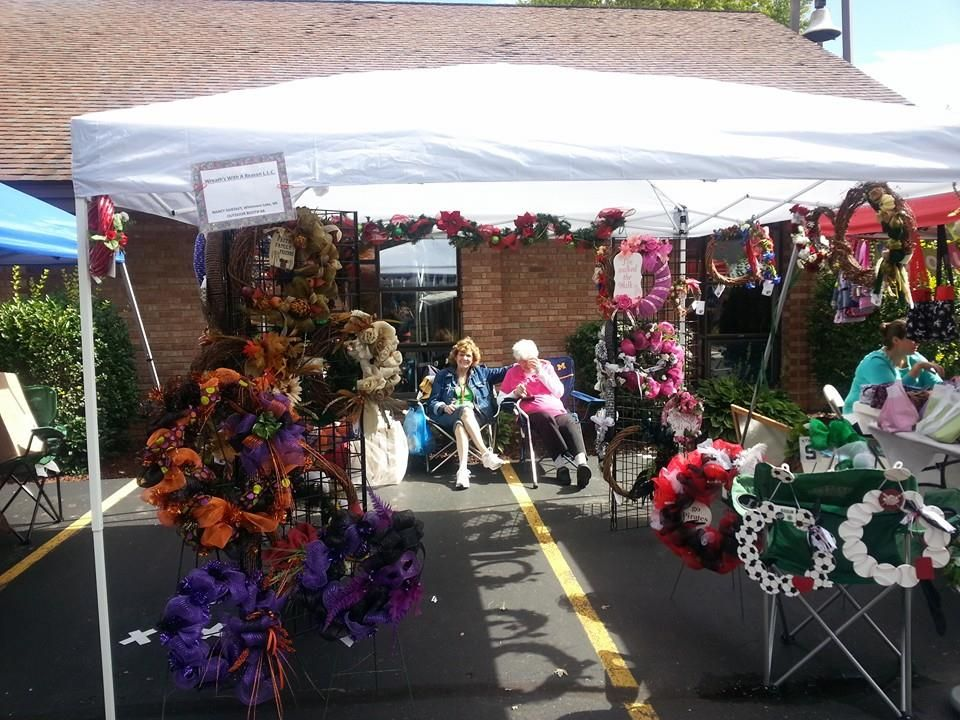 Wreaths With A Reason Craft Show Set Up For Wreath Display Craft