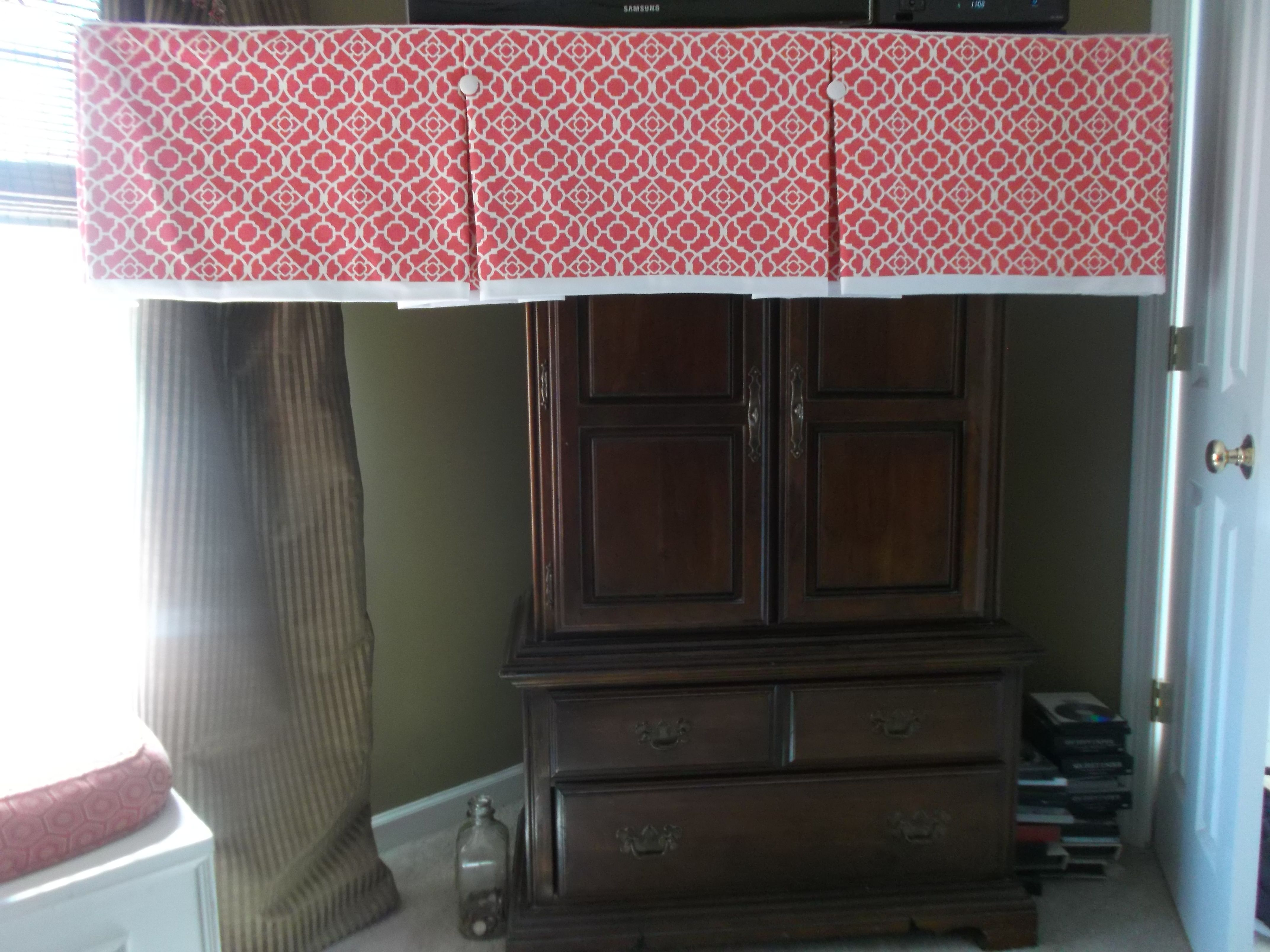 Box Pleated Valance With Trim