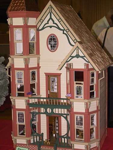 Victorian dollhouse by Mostly Sunny, via Flickr