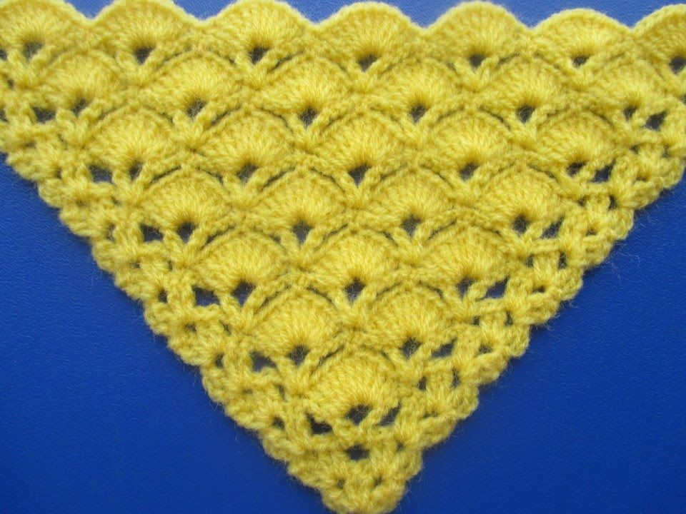 Chal Triangular Tejido a Crochet en Punto Abanicos | tejidos a ...