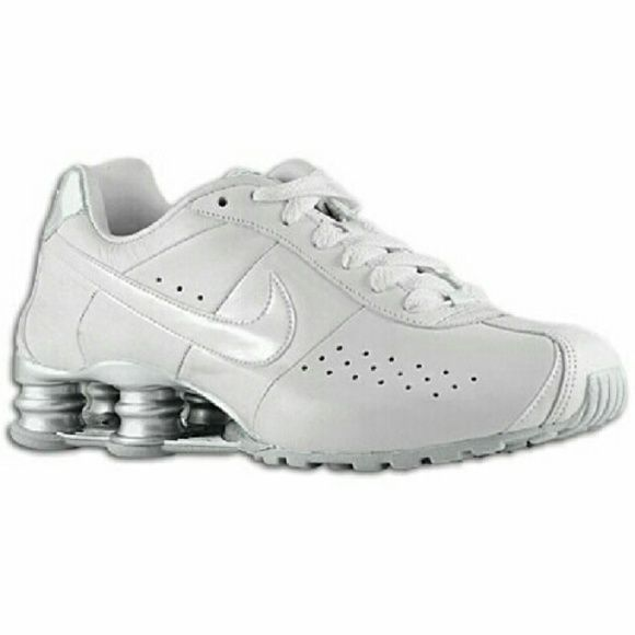 9889bc8c4dba NIKE SHOX CLASSIC II - WOMEN S Sz 8.5 Final Price  Gently worn a few times.  Very little scuffs. Still very white. Size 8.5 Nike Shoes Athletic Shoes