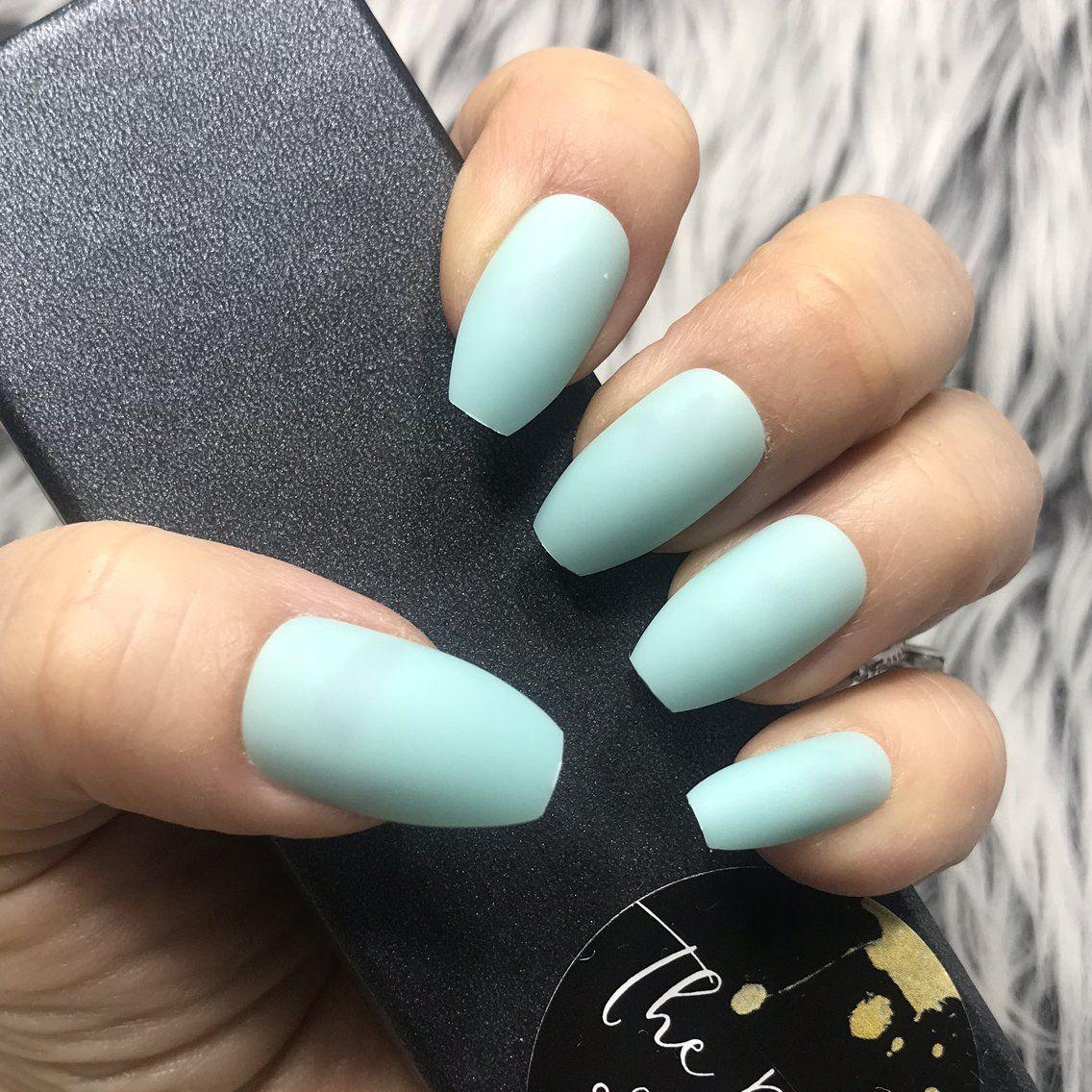 instant glam- solid matte mint