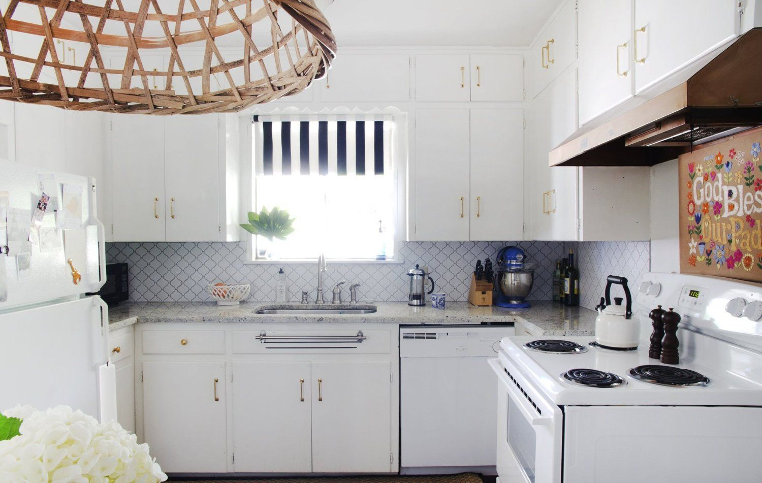 The Tiny Upgrade For A More Stylish Rental Kitchen Rental Kitchen Kitchen Trends Apartment Kitchen