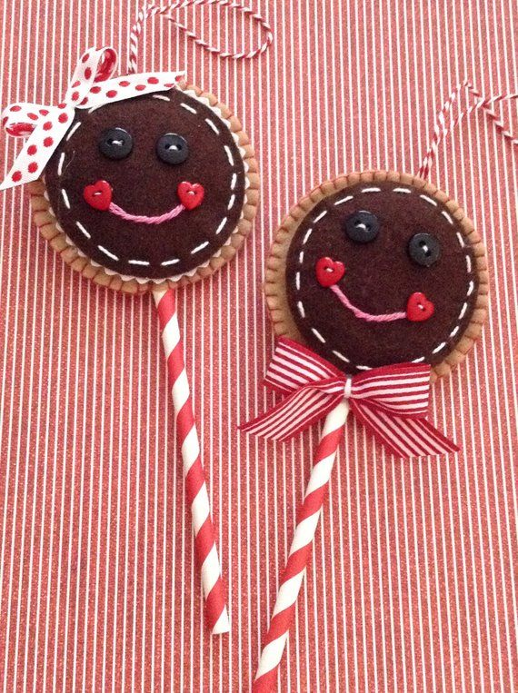 SALE GINGERBREAD COTTAGE Craft Themed Buttons Xmas Christmas Food Sweet Candy