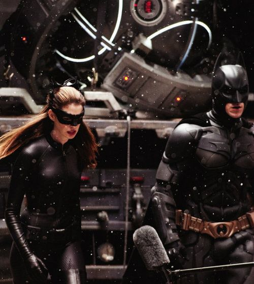 BTS of TDKR: Batman/Christian Bale and Catwoman/Anne Hathaway
