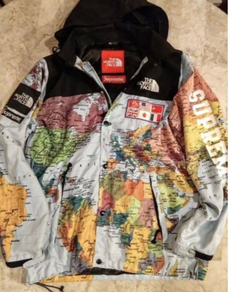 AUTHENTIC SUPREME x NORTHFACE MAP JACKET RESELLING IMMEDIATE PAYMENT on