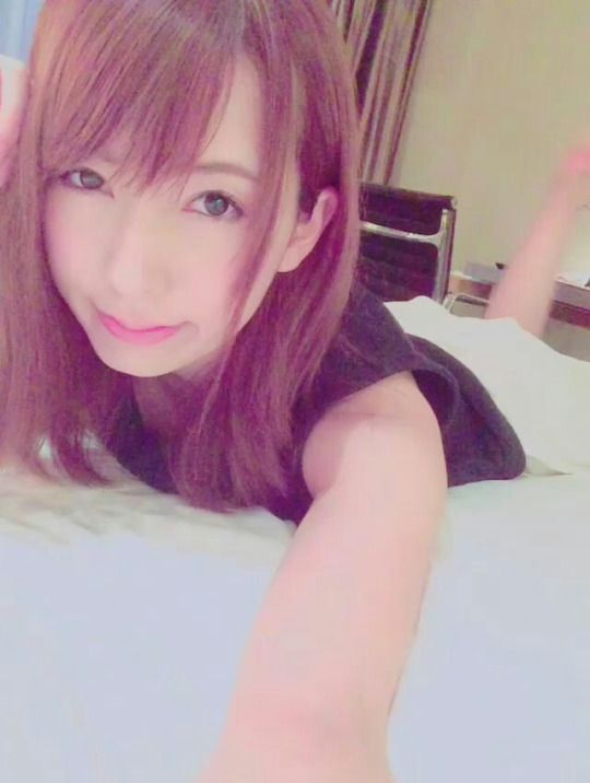 RT @hatano_yui: ご飯いってきます 明日はこっちで仕事 http://flip.it/ZzY3l