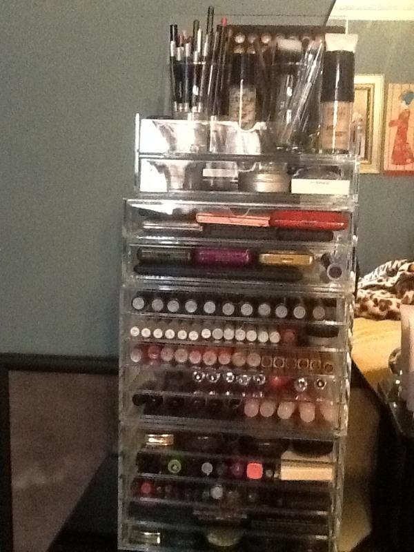Kardashian Make Up Storage Help Makeup Makeup Box