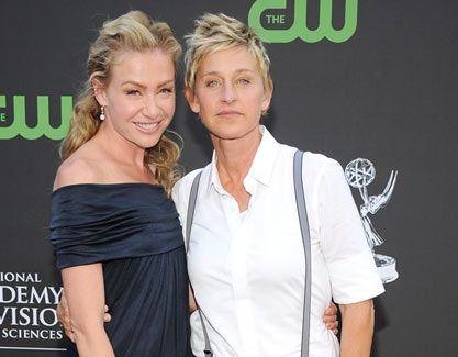Love Ellen S Suspenders Ellen Degeneres And Portia Portia De Rossi Ellen And Portia