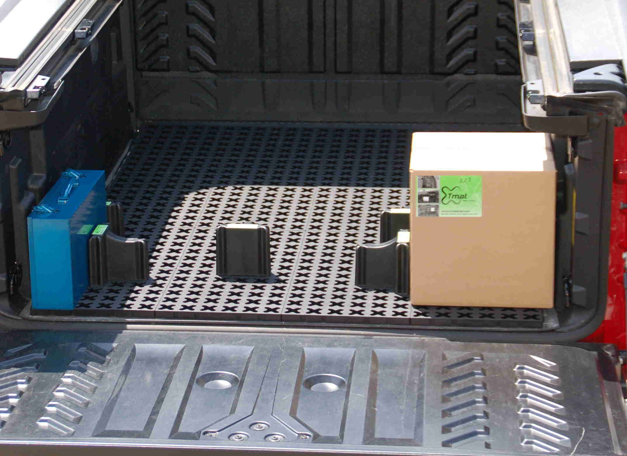 Cargo mat that holds cargo in it's place